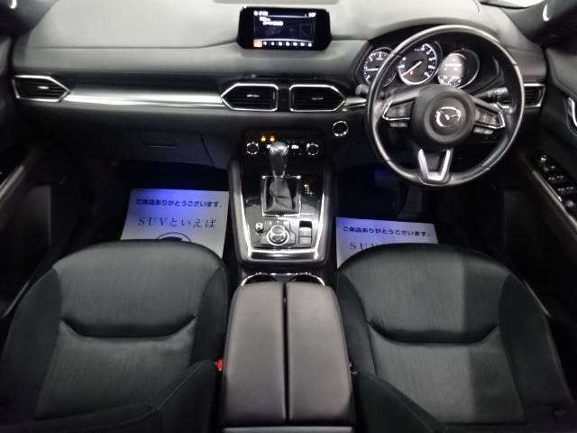 アイポイントが高く、非常に見晴らしの良いコックピットはロングドライブに最適。一度乗ったら病みつきです。