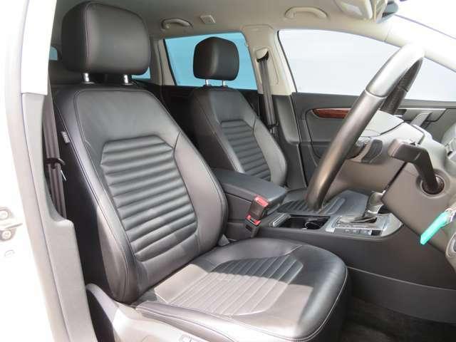 ◇高級感のあるレザーシートを装備、嫌な臭いなども無く清潔感のある室内です!全車除菌抗菌施工し、ご納車しております◇
