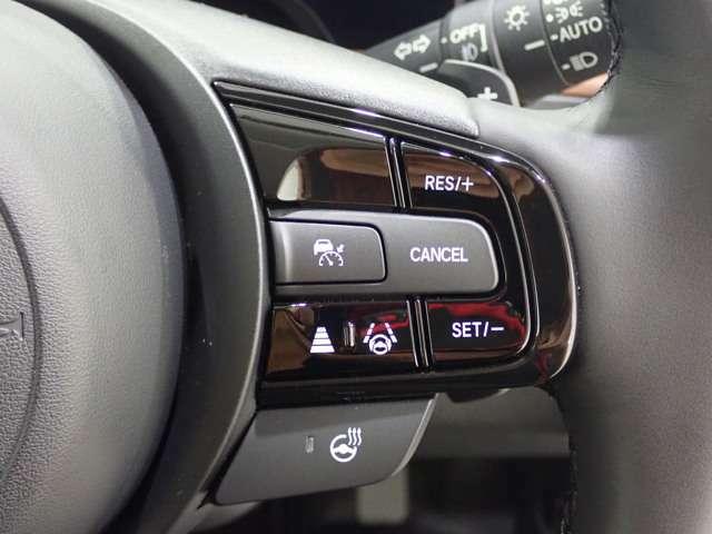 Honda SENSINGをはじめとする安全運転支援機能が、ミリ波レーダー及びカメラと前後のソナーセンサーにより、さらに進化しました。