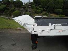一般型で特別仕様の横開き3250kg積載