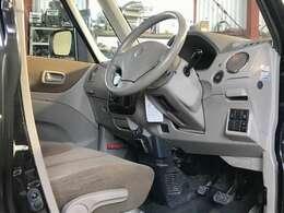 プッシュスタート搭載です!後部左側パワースライドも運転席から操作可能!