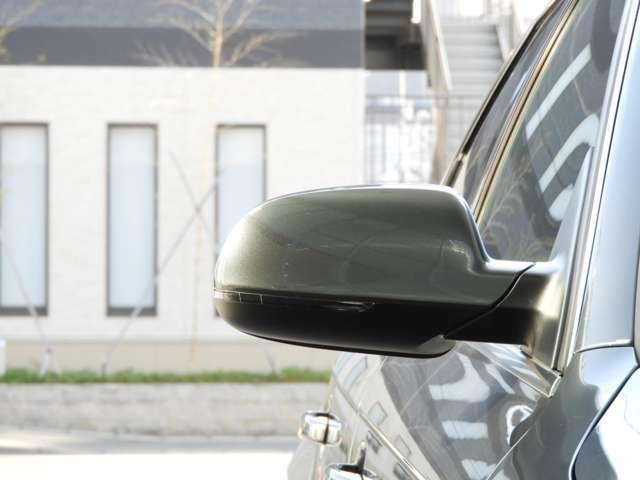 ■エクステリア 精悍なシングルフレームグリルとLEDポジションランプ付きキセノンヘッドライトが自信に満ちたフロントフェイス。優れたエアロダイナミクスから成る「機能美」という美しさを持つA4アバント。