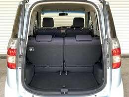 【トランク】大開口で荷物も出し入れしやすいです!