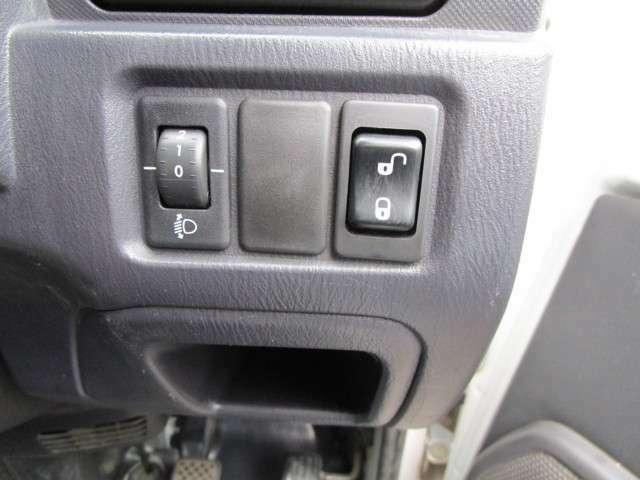 Aプラン画像:安心してお乗り頂くため、ご納車時には新品のオイル、オイルフィルターに交換致します。 詳細はお問い合わせくださいませ。ポニーカーズ愛知⇒ 052-726-5011