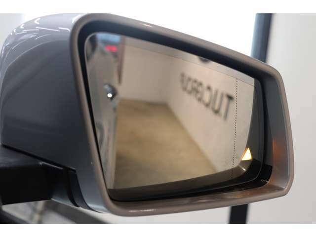 前車をレーダーシステムにより追従を行うディストロニックプラスや、ミラーの死角の車輌がいる際に警告を促すブラインドスポットアシストなどを装備した、レーダーセーフティパッケージを搭載しています!