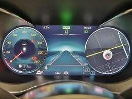 【Cクラス専用デザインの12.3インチコックピッドディスプレイ】ドライビングに必要な情報を見やすくわかりやすく表示したコックピットディスプレイは3つの表示モードから選べます♪