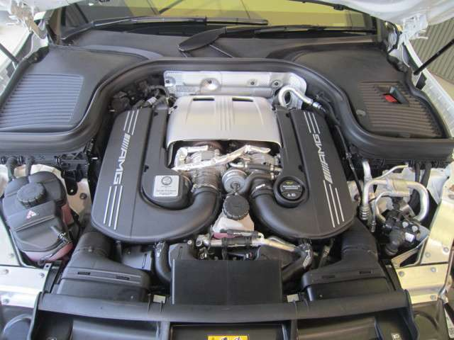 4L V8直噴ツインターボエンジン搭載