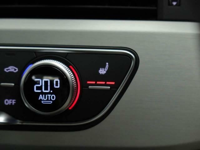 前席シートヒーターに加えてリヤシートヒーターもオプション装備
