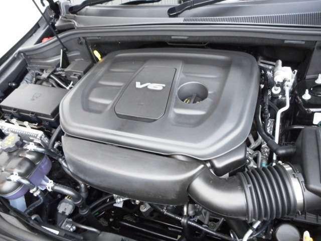 3.6Lのエンジンと8速ATの組み合わせで低速からスムーズな走行を楽しめます!