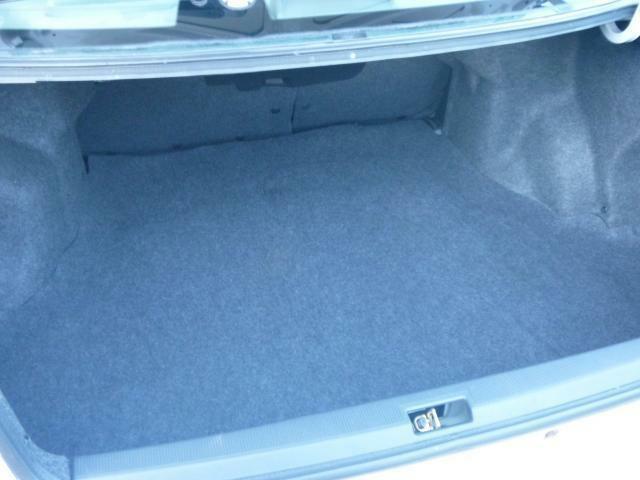 禁煙車なので、灰皿は、使用されていません!! 車内も黄ばみ臭い一切ありません。エアコンをかけると臭いが気になる車が多いですが、この車については一切心配ありません!!(^-^)