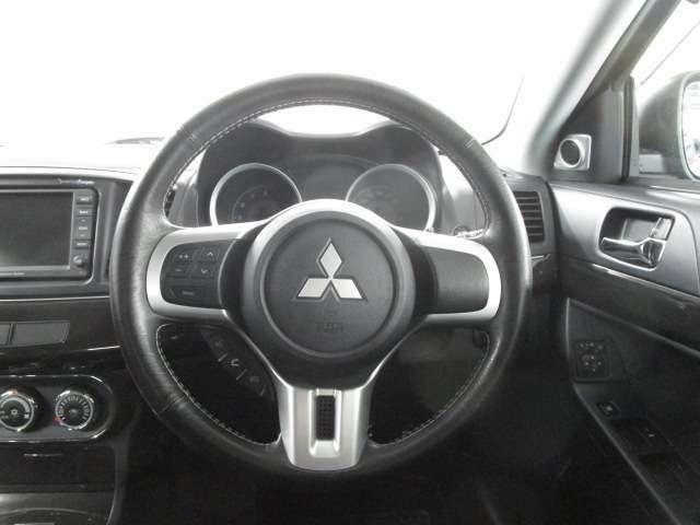 操作性のよい運転席です。