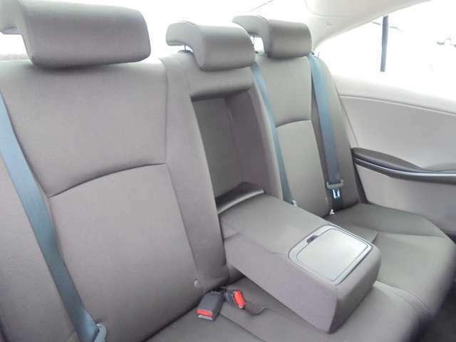 セダンならではの後部座席の広さがあります