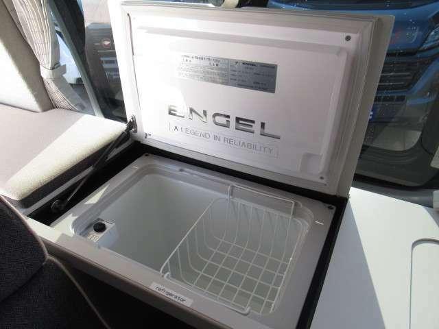 DC冷蔵庫装備しております!キャンピングカーには欠かせないアイテムですね♪