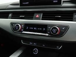 運転席、助手席で個別に温度設定ができるデラックスエアコンディショナー