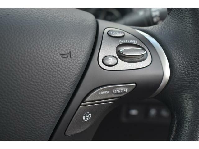 クルーズコントロール搭載で長時間ドライブでの疲労を軽減してくれる便利な機能です!