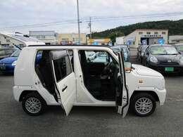 アウターヒンジでドアの開閉度も広く乗車も楽です!