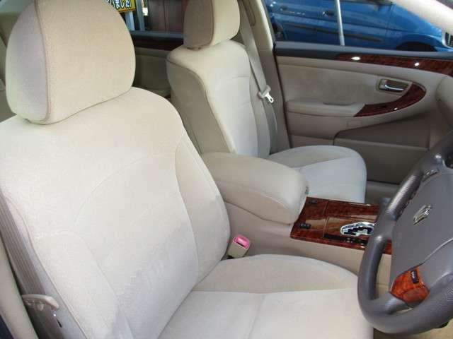 運転席シート。キレイです♪