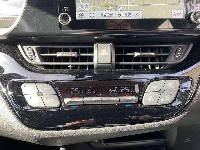 左右独立式のエアコンとなりますので、きめ細かな車内温度設定を可能とします!