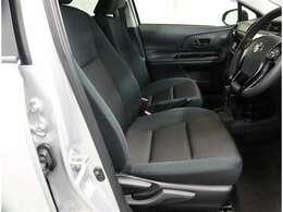 運転席は足元広々としており視界も広く運転がしやすいですね。