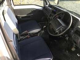 シートもモケットシートになります。ETC付き 社外USB対応CDチューナー 社外バックカメラ&モニター付き