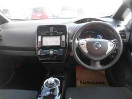 電気自動車ならではの先進的な装備とデザイン。