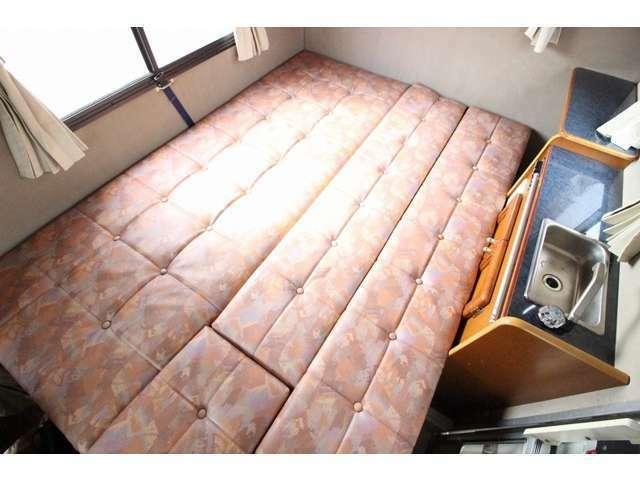 ダイネットベッドは190×100のゆったりサイズ♪