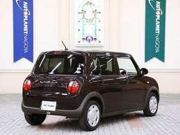 エネチャージなどの燃費向上に貢献する機能が標準装備されています。