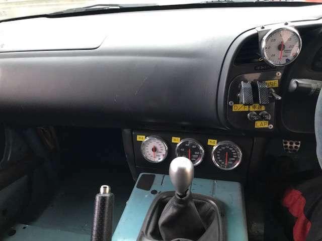 ブリットバケットシート!4点式シートベルト!HKSブースト・油温・油圧・水温計!