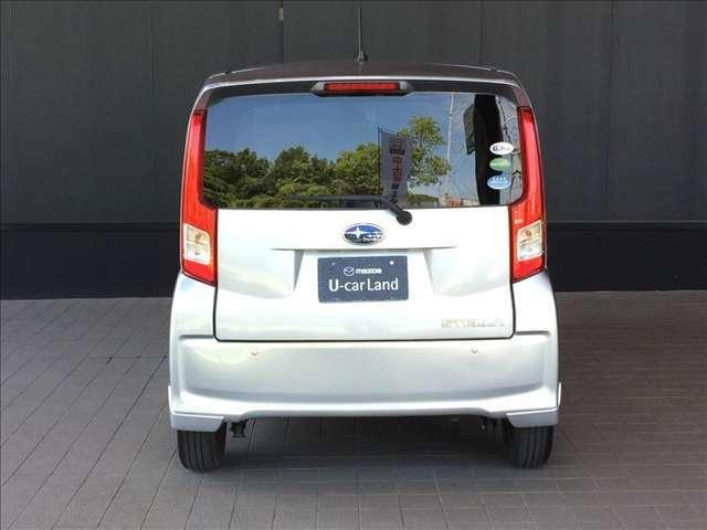 ハッチバックなので、お荷物の出し入れがスムーズです。また、リヤガラスは外部から車内が見え難いプライベートガラスを採用しています★☆★☆★