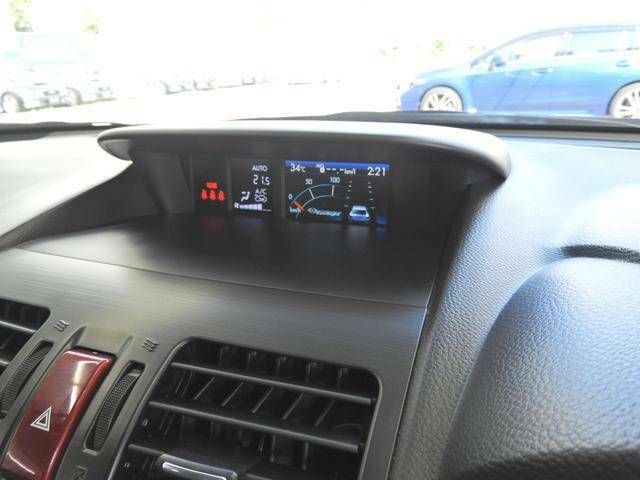 マルチインフォメーションディスプレイ装備◆燃費などの車両情報をチェック出来ます。