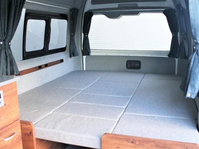 組み替えることで、ベッドとしてもアレンジ可能でございます!