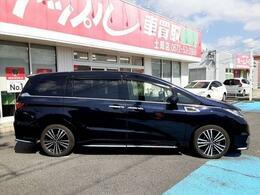 当店では納車日より1年間、走行距離無制限で『日本全国のディーラー』、もちろんお客さまの地元のディーラーでも当店に持ち込んだ場合と同じ内容の修理が可能な保証をご用意致しております。