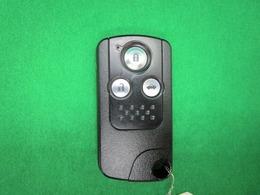 ★スマートキーシステムを採用してますのでドア開閉もラクラク便利!また盗難防止もございますので安心です♪在庫の詳細などお問い合わせはポイント5亀山店専用の通話無料 0066-9711-583731 まで