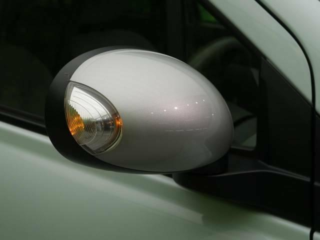 【ウィンカーミラー】付いているだけで高級感のUP!!もちろん見た目だけでなく、対向車からの視認性の向上につながり、安全度もUP!!