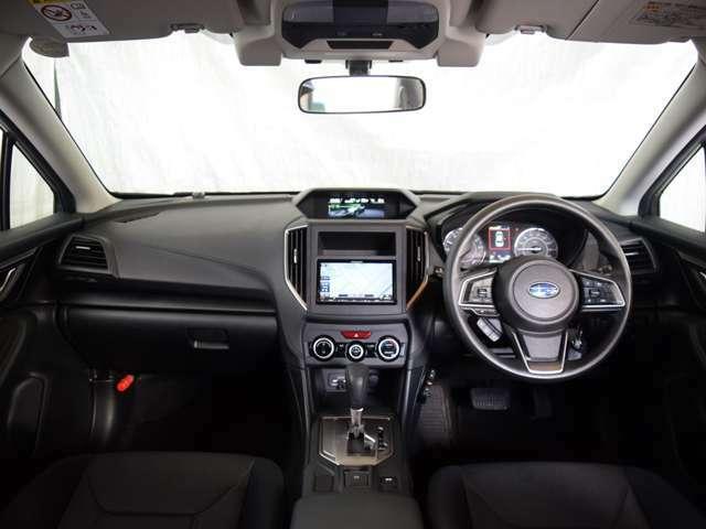 安全装備には、アイサイト・デュアル/サイド/カーテンエアバック・ABS・衝突被害軽減ブレーキ・横滑り防止装置を採用★