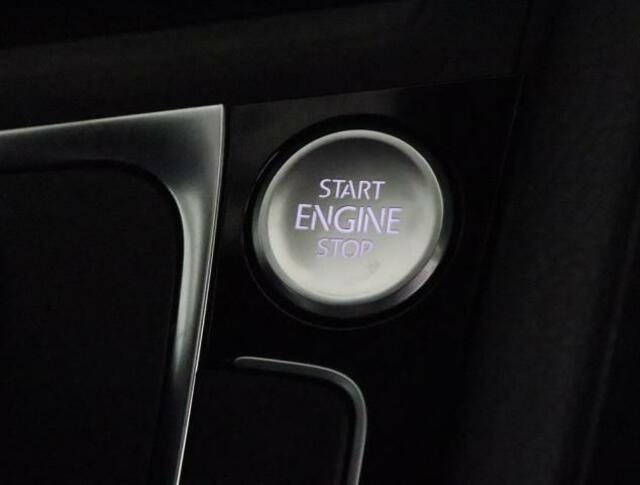 """★コンソールのスタートボタンを押すだけで、エンジンの始動停止ができます。スマートエントリー&スタートシステム""""KeylessAccessはキーを操作することなくドアロックの作動解除やエンジンの始動停止"""