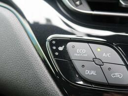 【シートヒーター】エアコンの温風で体を温めることとは異なり、車内の乾燥を防ぎつつ体もポカポカです。