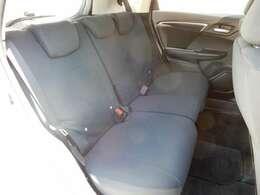 後席シートでもゆったり座る事ができます。