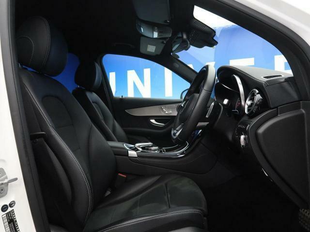 ●ハーフレザーシート:ブラック●全席ヒーター●パワーシート『ゆったりとしたドライバースペースで、長時間の運転でも快適にお過ごしいただけます。』