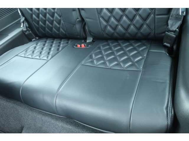 4WD GIギアコンプリート リフトアップ FUELボディー同色アルミ MAXXISタイヤ オーバーフェンダー オフロードグリルガード リアラダー ルーフラック LEDフォグ ディスプレイオーディオ