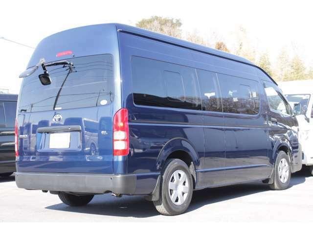 長さ:538cm/幅:188cm/高さ:228cm/車両重量:2130kg/車両総重量:2845kg/燃料タンク:70リットル/カラーナンバー:8P4