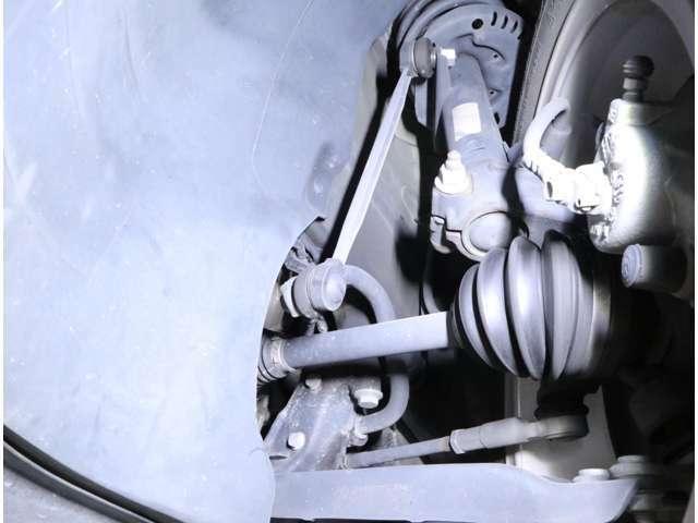 足廻りのダメージも無く、目立った劣化は感じられません。VWディーラーにて定期的にメンテナンスされていた上質物件です。
