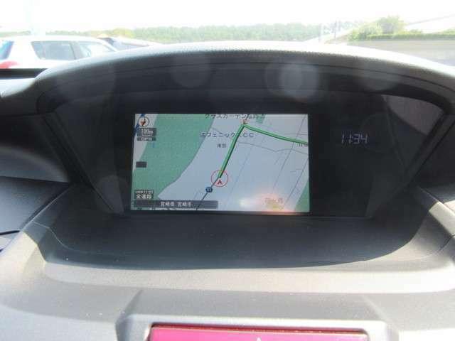 画面も大きくて見やすいインターナビ付きのお車です。CD録音・DVD再生可能なHDDナビです。