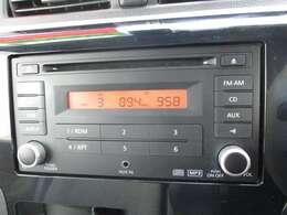 CD・AUX/ラジオが聴ける純正オーディオ♪