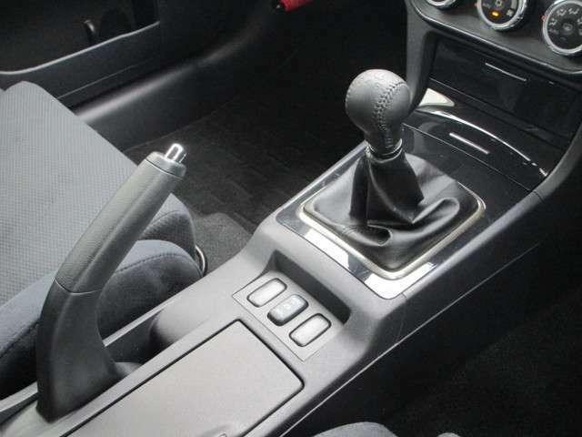 5速MT車 オートマ限定免許では運転していただくことはできません。