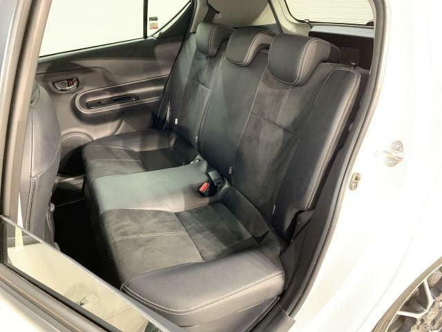 ★室内のクリーニング/当社専門のスタッフにより『徹底洗浄』、シートを取り外し、隅々まで清掃されています。さらに仕上げは車内を除菌・消臭機で洗浄しています。『クリーニング』に徹底的にこだわりました!
