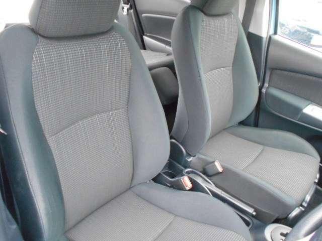 座りやすく運転のしやすいシート