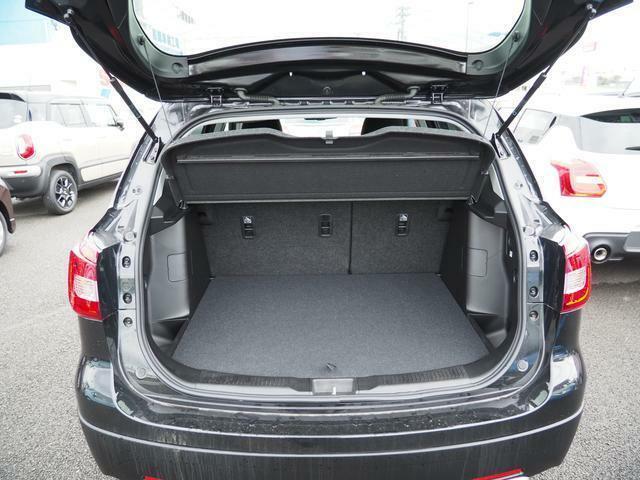 シートアレンジ(後部荷室)?そのままでも結構荷物を載せることができます。