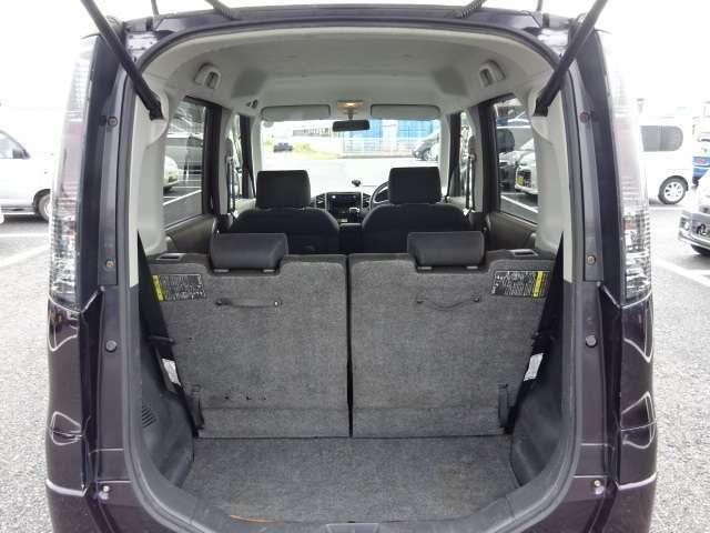 トランクも充分なスペースを確保しております♪ベビーカーもすんなり収納出来ます!