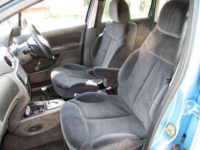 助手席も座り心地が良く快適なシートです♪